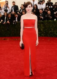 item67.rendition.slideshowVertical.met-gala-2014-anne-hathaway